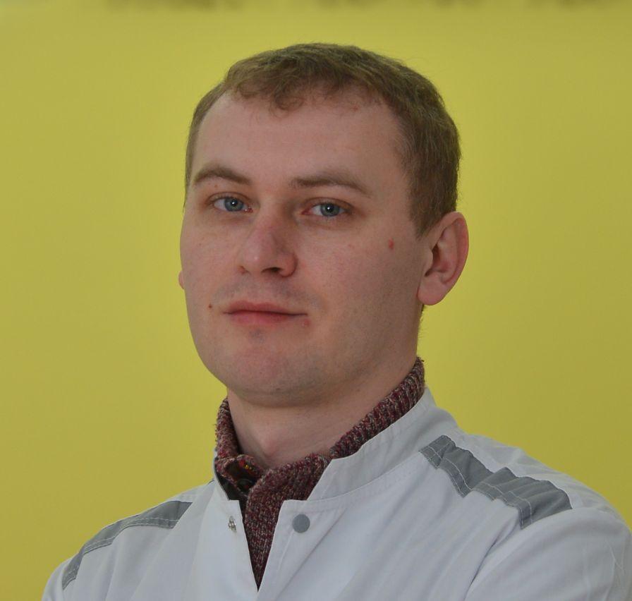 Тесаков Дмитрий Евгеньевич